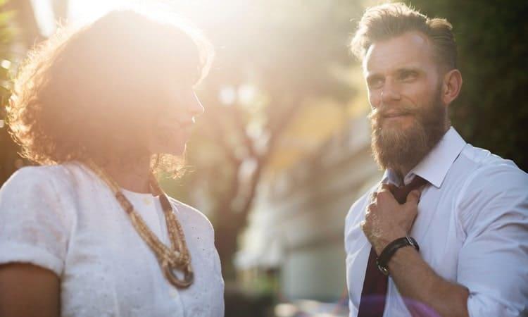 Женщины хотят видеть возле себя настоящего мужчину, а не ласкового и обходительного, но хлюпика.