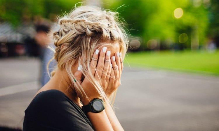 Чтобы солгать при разрыве отношений, она могла использовать, грубо говоря, стандартные оправдания.